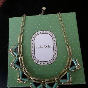 Beautiful Stella  n Dot necklace